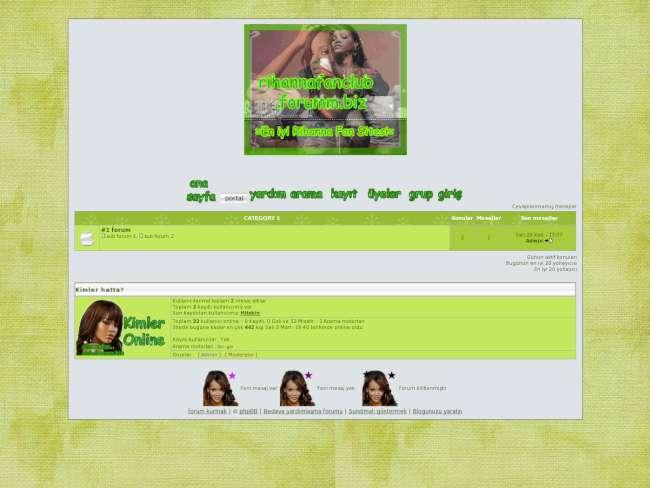 Rihanna yeşilli
