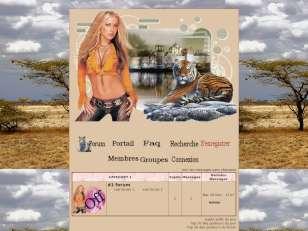 femme avec son tigre