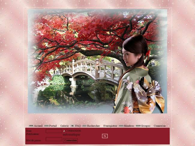 Femme Asiatique devant pont