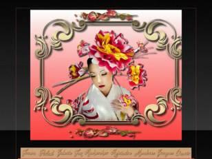 Asiatique aux fleurs