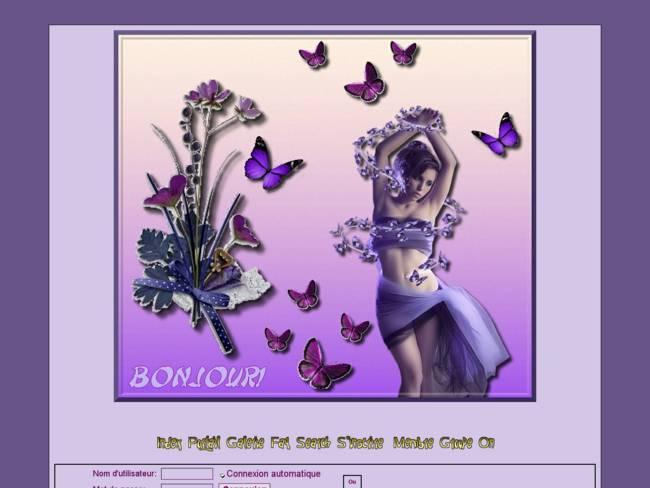 Femme aux papillons violet
