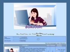 Femme  sur ordinateur