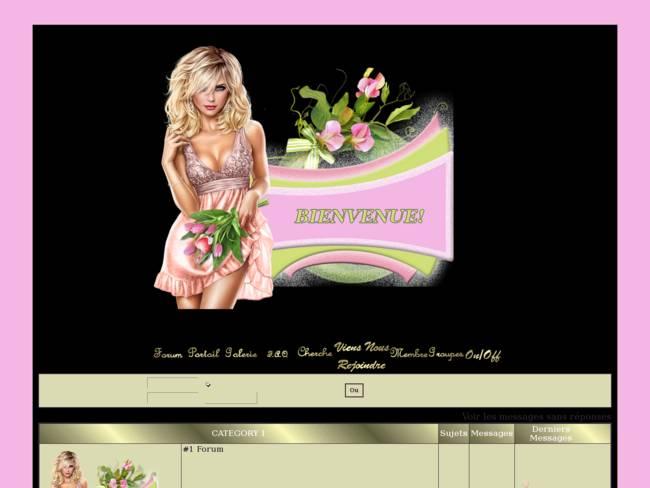 Jolie blonde aux tulipes rose