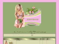 Jolie blonde aux tulipes